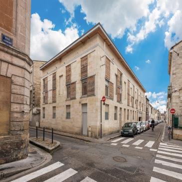 Logement collectif dans un immeuble piere au Chartrons